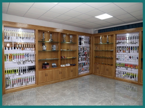 Kitchenware Showroom
